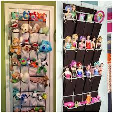 chambre ou rangement des jouets au design ludique pour une chambre d enfant