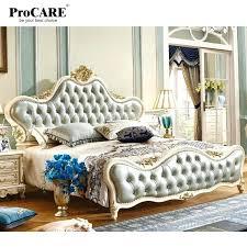 chambre king size lit americain king size mobilier de chambre king size grand rond en