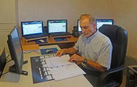le bureau banquier un ancien banquier invente un placement à 600 de rentabilité
