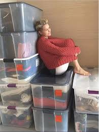 yolanda clothing off housewives yolanda foster purges her old clothes for closet overhaul people com