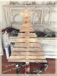 i u0027m over the moon with this 4ft pallet wood christmas tree