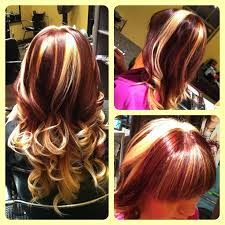 blonde hair with chunky highlights good transition color between dark red and blonde hair colors