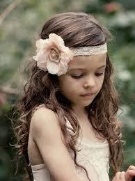 pretty headbands i like how she s wearing the headband pretty girl stuff