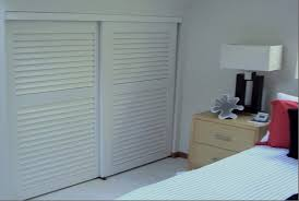 Sliding Closet Doors Wood Louvered Sliding Closet Doors Gpsolutionsusa