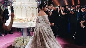 600 000 wedding dress