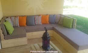 comment faire un canapé en au dessus comment faire des coussin pour canape en palette white
