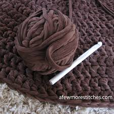 Crochet Rugs With Fabric Strips How To Crochet A Rug With Fabric Roselawnlutheran