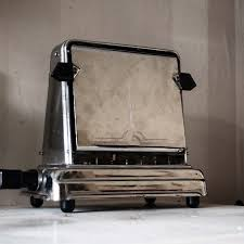 Old Fashioned Toasters 62 Best Toasters Images On Pinterest Toasters Art Deco Art And