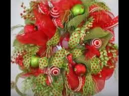 Decorating Christmas Wreath With Deco Mesh by How To Make A Deco Mesh Christmas Wreath A Teaser Nancy
