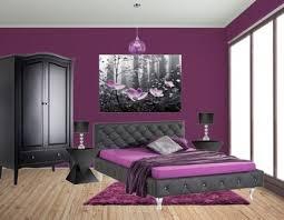 schlafzimmer lila schlafzimmer lila wand wesen on schlafzimmer auf lila wand