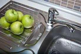 wasserhahn küche montieren wasserhahn montieren in der küche anleitung