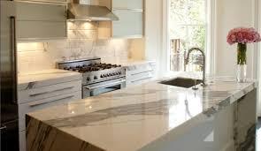 plan de travail cuisine marbre cuisine plan de travail en îlot de cuisine moderne clair en marbre
