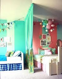 aménagement chambre bébé feng shui amenager chambre enfant chambre fille avec coin bureau amenager