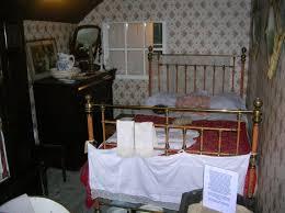 victorian bedroom photos and video wylielauderhouse com