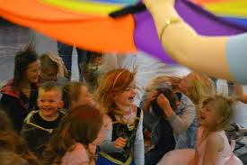 clowns for birthday in manchester aeiou kids club manchester party entertainers manchester kidsguide co uk