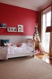 choix des couleurs pour une chambre le choix des couleurs fortes pour cet appartement parisien