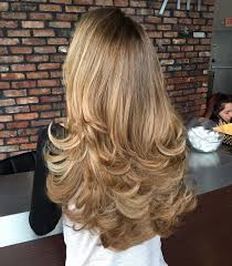 layered flip hairstyles layered with a flip hairstyle women s lifestyle hair pinterest