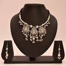 metal necklace designs images Buy anvi 39 s black metal necklace and earrings with kundan design online jpg