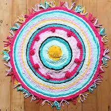 Upcycle Old Tshirts - old t shirt rug on a hula hoop loom hometalk