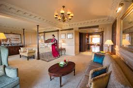 luxuriously spacious grand presidential suite at taj mahal hotel