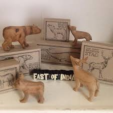 carved wooden animals mer enn 25 bra ideer om carved wooden animals på