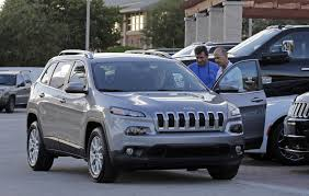 murdered jeep grand cherokee fiat chrysler u0027s belvidere plant gets 350m 300 jobs to retool for