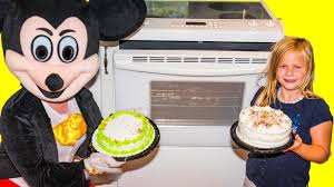 cake challenge the assistant mickey mouse minnie doc cake
