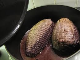 cuisiner un roti de biche rôti de biche mariné et ses poires cuisine by mutante