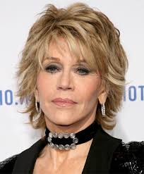 medium layered hairstyle for women over 60 choppy look for mature fashionistas jane fonda haircut