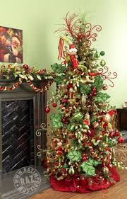 decorated tree photo with elves