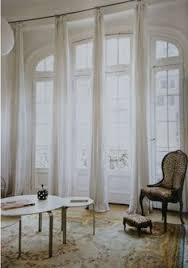 Hang Curtains High And Wide 窓辺をステキに彩り機能も充実 カーテン ブラインド特集 Window