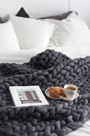what a perfect setting for breakfast in bed love that large knit