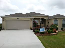 Retractable Awnings Tampa Cool Breeze Rolls Screens Talk Of The Villages