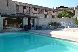 chambre d hotes saumur jolies chambres d hôtes av jardin et piscine près de saumur à forges