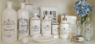vintage bathrooms ideas decorating your bathroom with vintage bathroom accessories bath