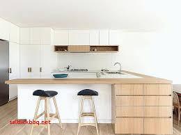 plan de cuisine en l bar de cuisine blanc laque modale de cuisine moderne en bois massif