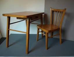 petit bureau pour enfant ensemble petit bureau et chaise baumann assortie pour enfant
