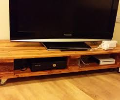 Tv Table Simple Pallet Coffee Tv Table 8 Steps With Pictures