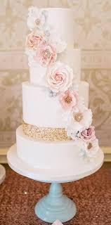 wedding cake and cupcake ideas 35 chic wedding cake inspiration modwedding