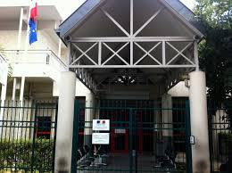 la sous préfecture de saint paul ferme ses portes