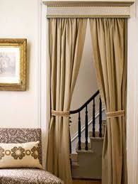 How Wide To Hang Curtains How Hang Curtains Without Putting Holes In The Wall Hang