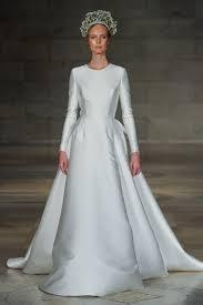 wedding dress miranda kerr reem acra 2018 new york bridal week bridesmagazine co uk