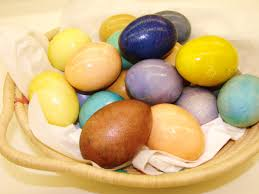 easter eggs colored with natural paints u2026 maja u0027s viennese kitchen