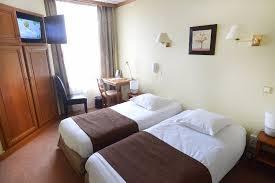 chambre lit jumeaux chambre lit jumeaux standard picture of hotel porte mars reims