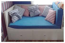 trasformare un letto in un divano trasformare un letto in divano decorazioni per la casa