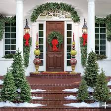 Decorate Outside Entryway Christmas by 99 Best Christmas Porch Images On Pinterest Christmas Time
