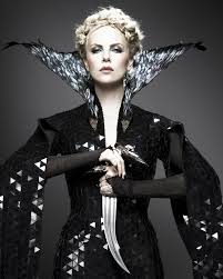 charlize theron as the black queen in snow white and the huntsman