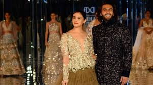 icw 2017 alia bhatt ranveer singh turn showstoppers for manish