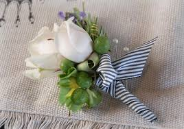 boutineer flowers to make a boutonniere
