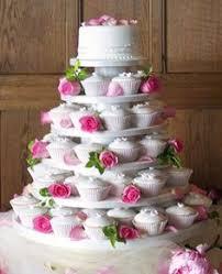 should i have heart shaped wedding cakes every celebration thing